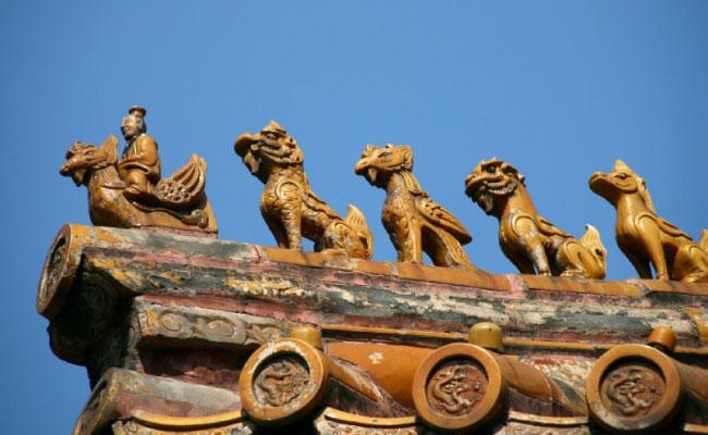 Beijing-Animal-figurines-on-roof-650x400